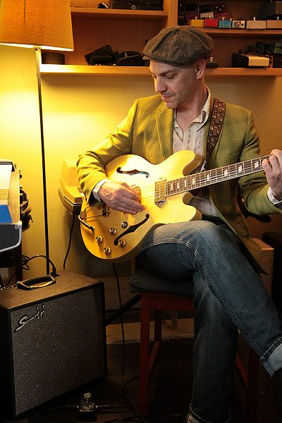 Dean Drouillard in home studio w/Swart STR/Atomic Boost